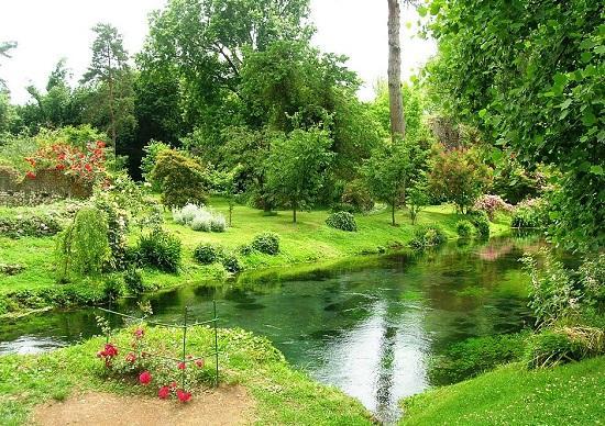 Ninfa gardens garden ftempo for Garden giardini