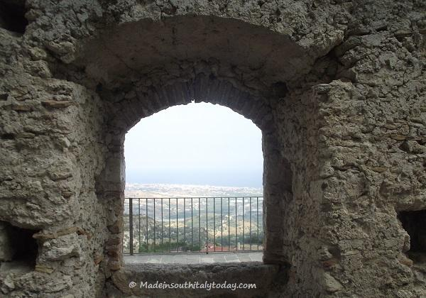 If you go through porta del borghetto and proceed along - Porta bombarde ...