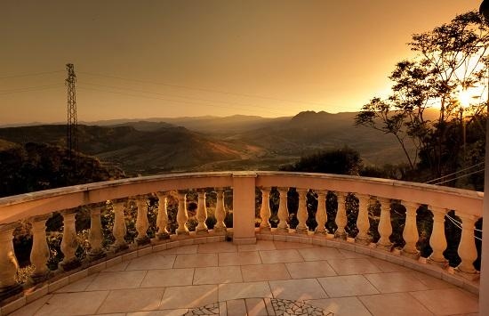 Large calabria villa sleeps nine